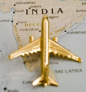 Индийские креативы — золотая фольга и золото в туалете самолета